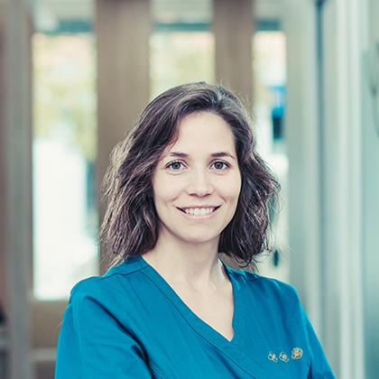 Dra. Laura Canals Ciendones